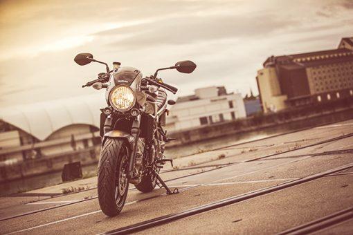 Suzuki SV650X street motorbike