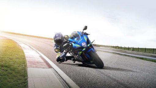 2018 Suzuki GSX R1000R Buildbase motorbike - race, turning