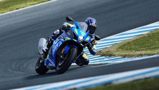 2018 Suzuki GSX R1000R buildbase motorcycle - race, turning
